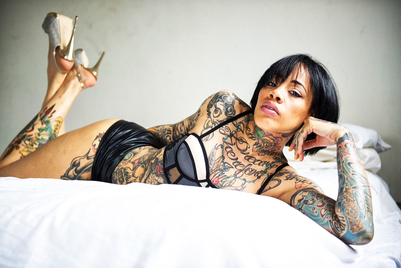 Baddest Chick of the Week Presents:@cheismack 1